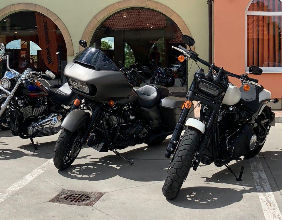 Motocykle skladom